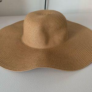 A floppy hat